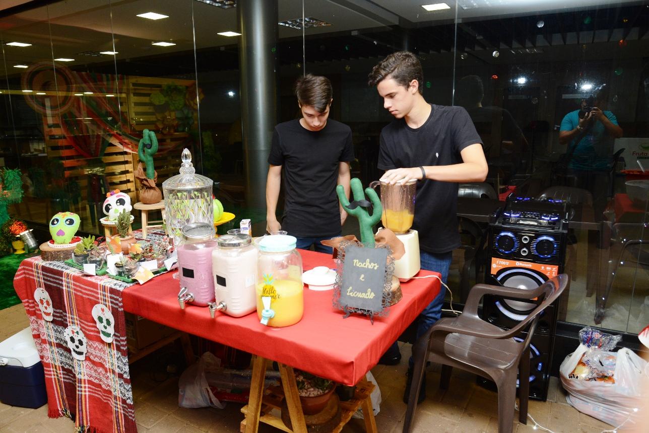 Feira promove resgate de cultura Hispânica